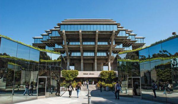 2 University of California San Diego